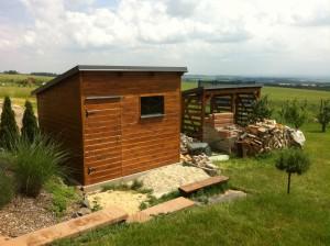 Zahradní domek a dřevník